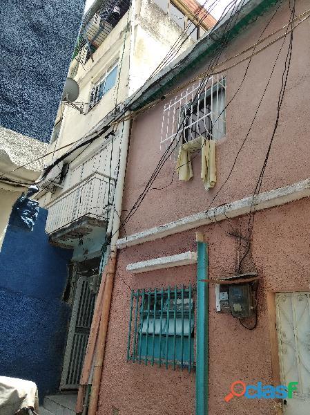 Casa en caracas pleno centro en 8.500$o€eur av andres bello c/c los manolos