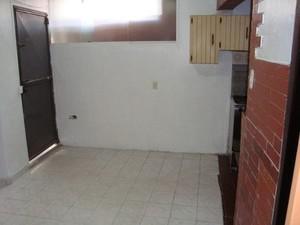 Casa en caracas pleno centro en $15. 000 av andres bello c/c