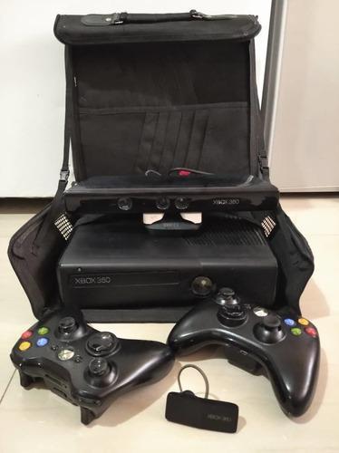 Consola xbox 360 4 gb con juegos y accesorios