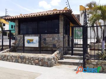 Townhouse en venta en Parque Valencia, Carabobo, enmetros2, 20 82031 asb
