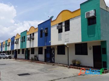 Townhouse en venta en Parque Valencia, Carabobo, enmetros2, 20 82031 asb 1