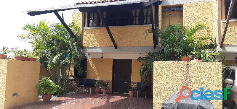 El Town House de sus sueños en Lecheria Morro II Le Chapeau Villas 11