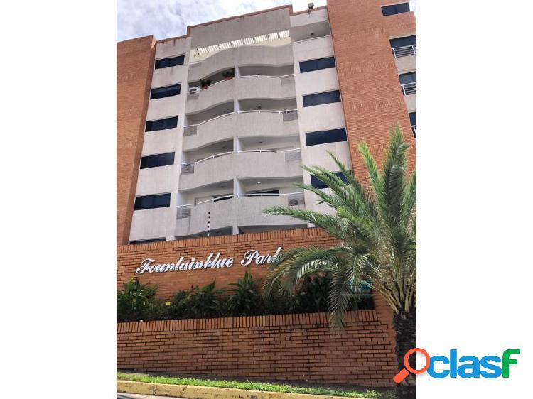 Apartamento en el conj. resd. fountainblue park, villa granada