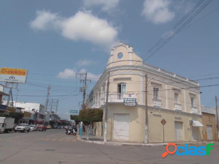Local comercial en avenida principal de alvarado para negocio exitoso