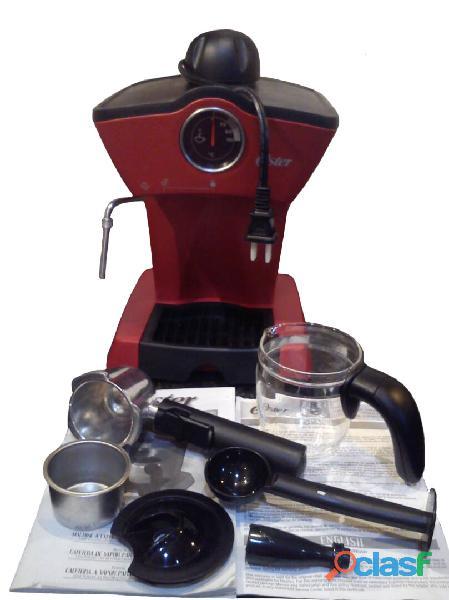 Cafetera a vapor para espresso y capuccino oster 4188