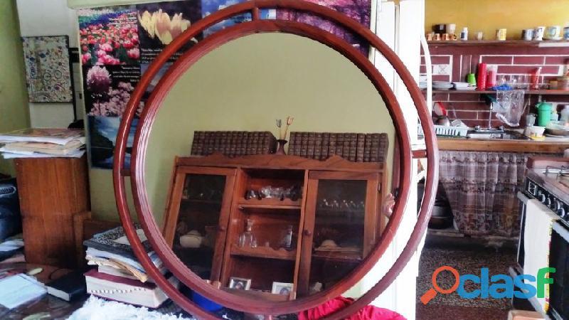 Espejo Redondo Con Marco En Color Caoba De 0.91 X 0.91 X 3.0