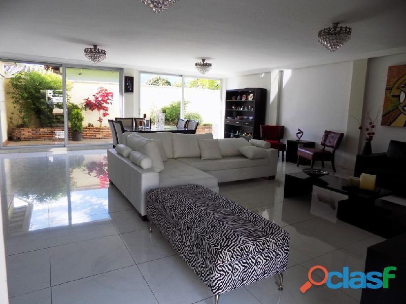 Casa en venta Urb. Villas La Pedregosa 10