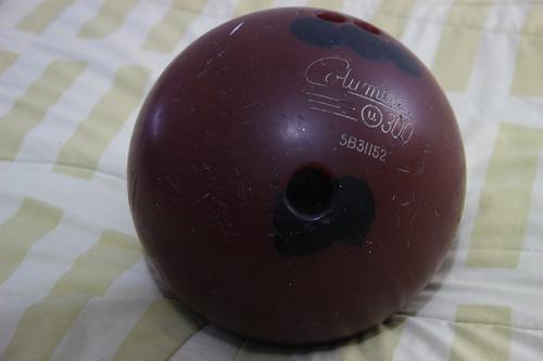 Bola de bowling columbia 300 (precio remate)