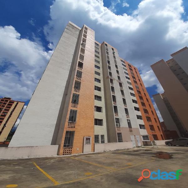 Sky group vende apartamento en sun suite mañongo foa 1208