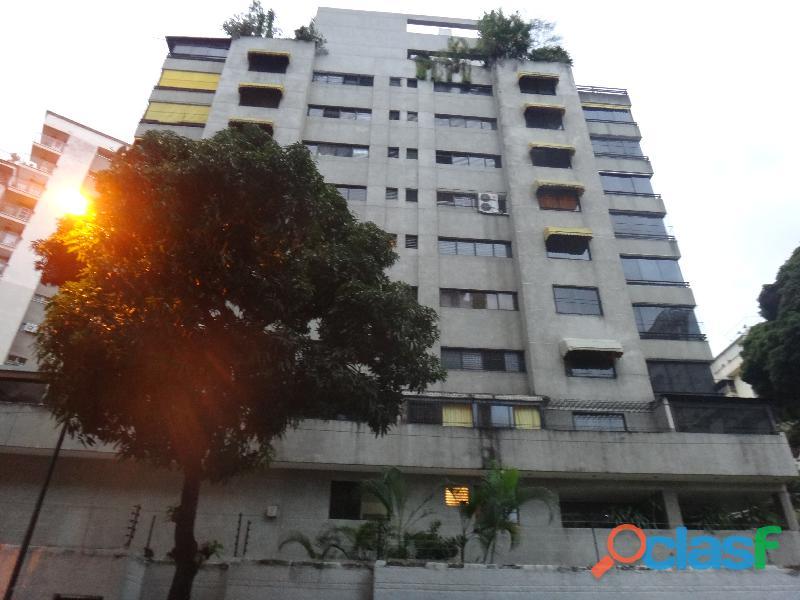 Apartamento de 149 m², 4 habitaciones, 3 baños, 2 p/e.