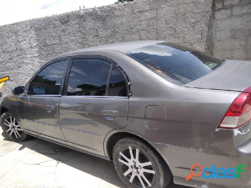 Vendo Honda Civic 2004 1