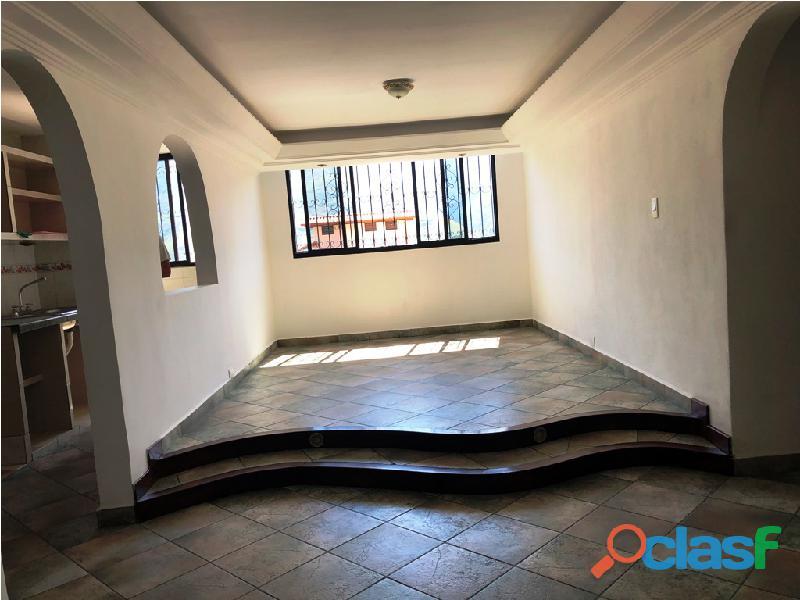 Apartamento en venta Urb. Campo Claro, Resd. El Pedregal 10