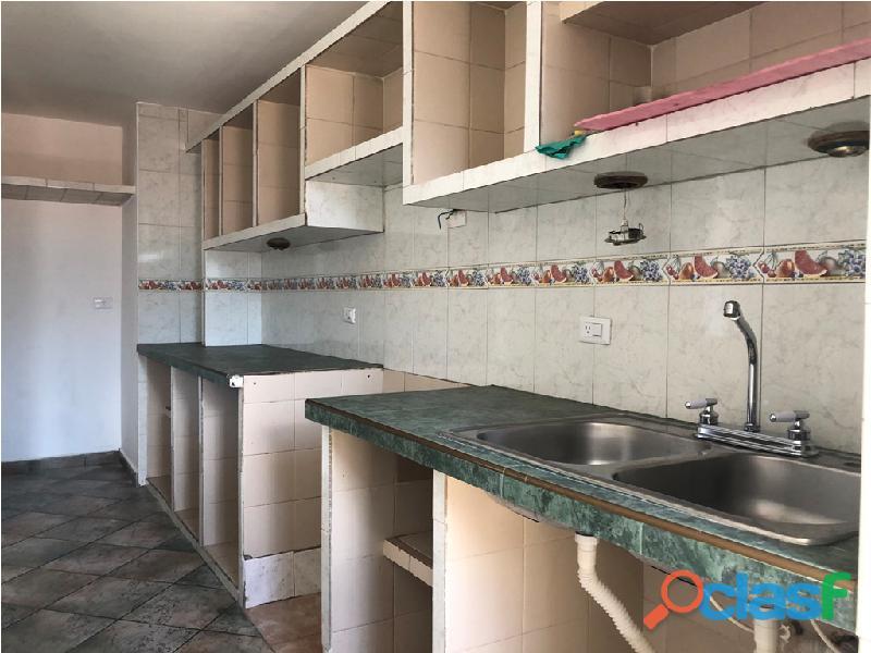 Apartamento en venta Urb. Campo Claro, Resd. El Pedregal 14