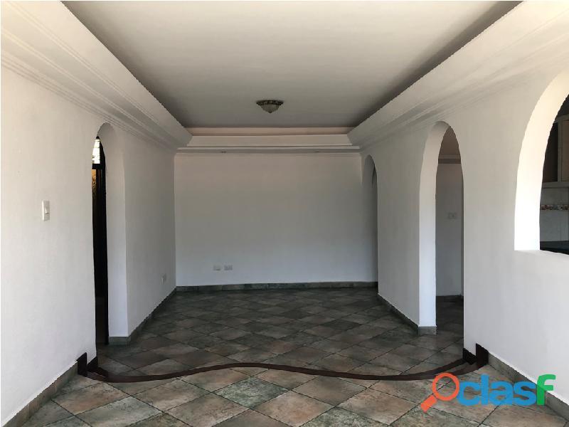 Apartamento en venta Urb. Campo Claro, Resd. El Pedregal 2