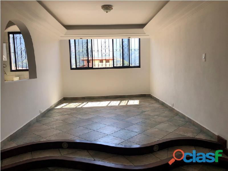 Apartamento en venta Urb. Campo Claro, Resd. El Pedregal 3