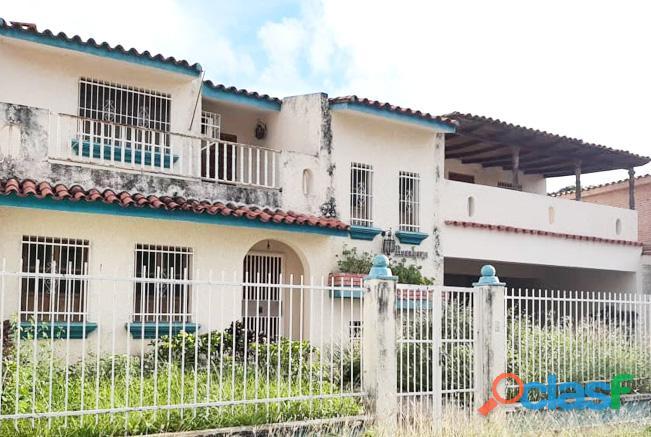 Venta Casa 2 Niveles 324 M2 Urb. Trigal Norte Valencia   RCS23