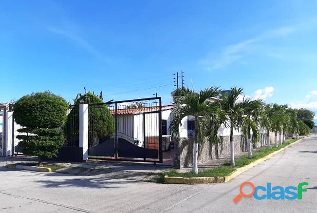Venta Casa Urb. Guayabal Sector La Pradera San Joaquín   RCS25