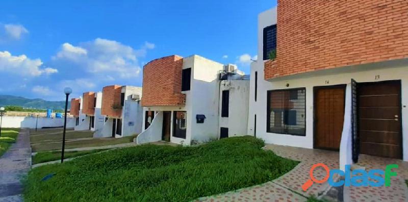 TownHouse en Urbanizacion La Esmeralda