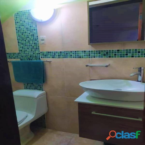 TownHouse en Urbanizacion La Esmeralda 4