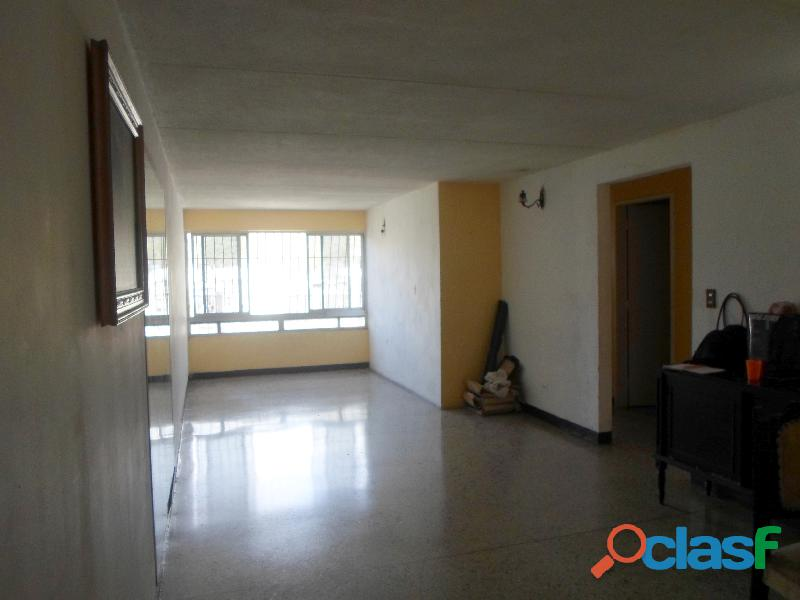 Apartamento en la urbanización 27 de febrero