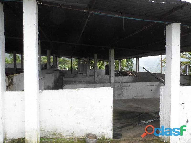 SE VENDE CASA DE CAMPO en Santa Ana del Táchira, sector Malacate 3