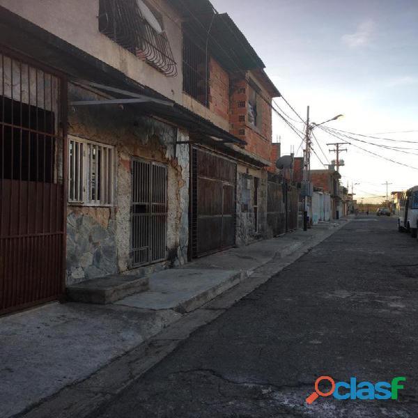 CASA EN CONJUNTO RESIDENCIAL LA VICTORIA PARAPARAL CON ANEXO Y LOCAL 9