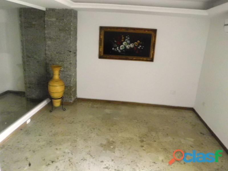SKY GROUP Vende Apartamento en Sector El Rincón 4