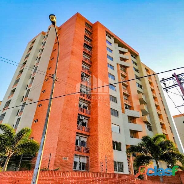 Apartamento en venta en res. sun suite mañongo foc 1491