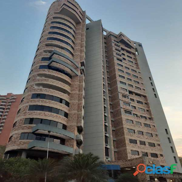 Apartamento en Res. Edificio Luxor, Valle Blanco