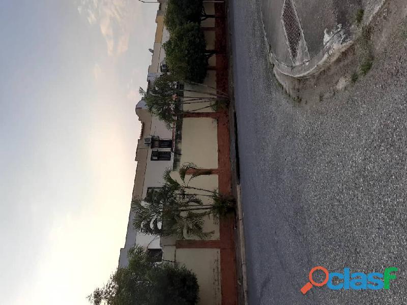 Vende hermoso townhouse ubicado en el sector tazajal de naguanagua de 72 mts2 de construcción