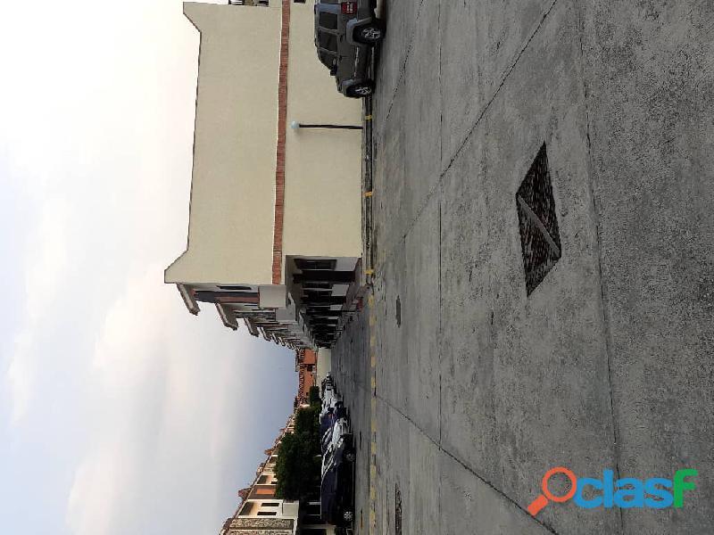 Vende hermoso Townhouse ubicado en el sector Tazajal de Naguanagua de 72 mts2 de Construcción 5