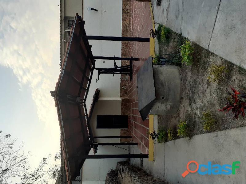 Vende hermoso Townhouse ubicado en el sector Tazajal de Naguanagua de 72 mts2 de Construcción 11