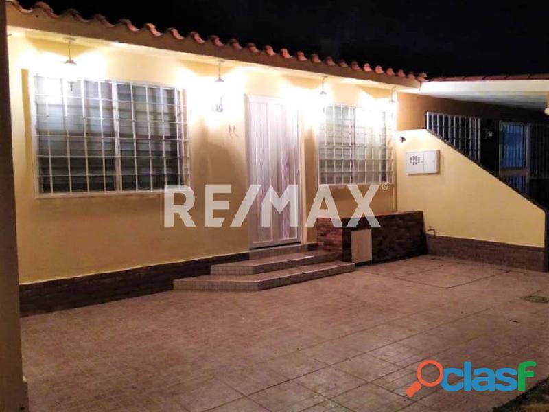 RE/MAX Partners Vende, Casa de en el Conjunto Residencial Cunaviche Los Jarales, San Diego.