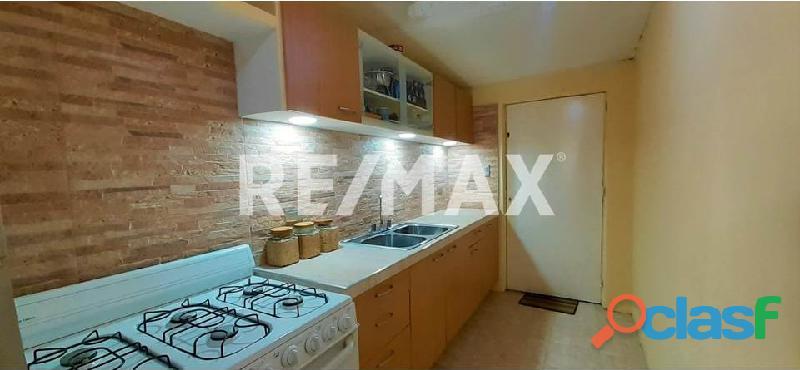 RE/MAX Partners Vende, Casa de en el Conjunto Residencial Cunaviche Los Jarales, San Diego. 3