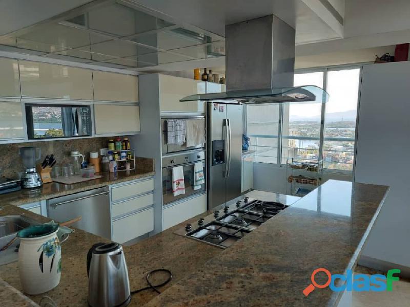 Pent House Suplex en Venta en Res. Oasis El Morro en Lechería con vistas panoramicas de ensueño 15