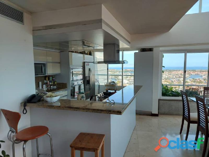 Pent House Suplex en Venta en Res. Oasis El Morro en Lechería con vistas panoramicas de ensueño 12