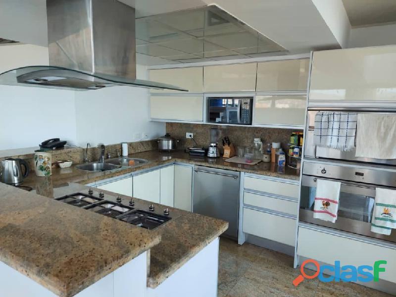 Pent House Suplex en Venta en Res. Oasis El Morro en Lechería con vistas panoramicas de ensueño 11