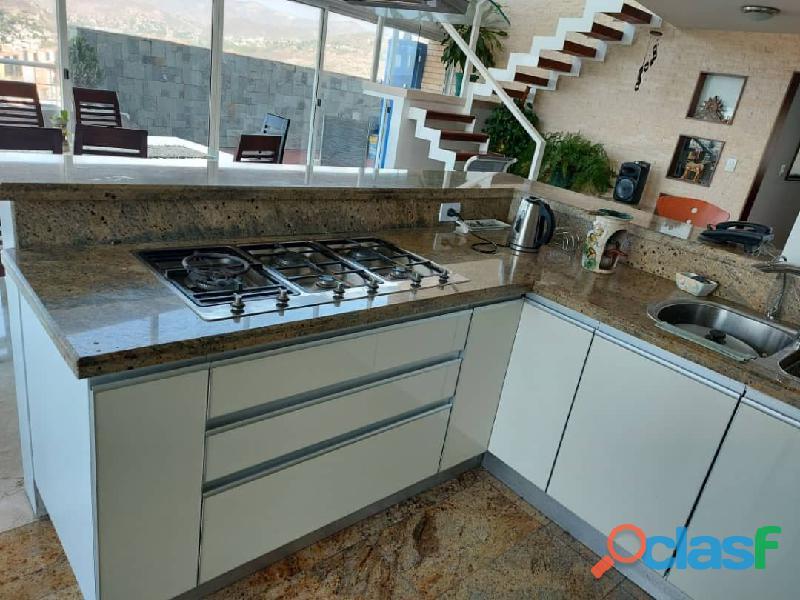 Pent House Suplex en Venta en Res. Oasis El Morro en Lechería con vistas panoramicas de ensueño 7