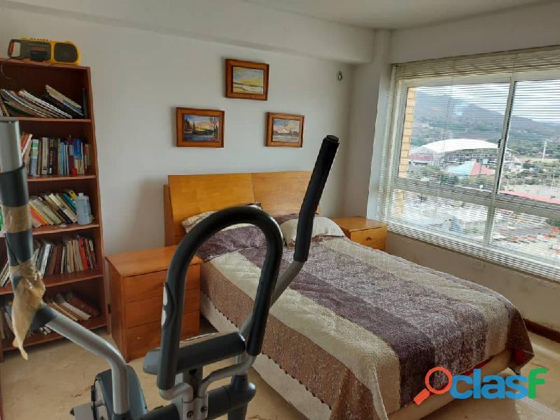 Pent House Suplex en Venta en Res. Oasis El Morro en Lechería con vistas panoramicas de ensueño 6