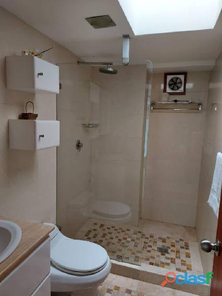 Pent House Suplex en Venta en Res. Oasis El Morro en Lechería con vistas panoramicas de ensueño 3