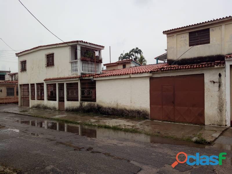Casa en venta en La Urb. Ritec, Valencia, Carabobo, focus inmuebles, AC121 16 1