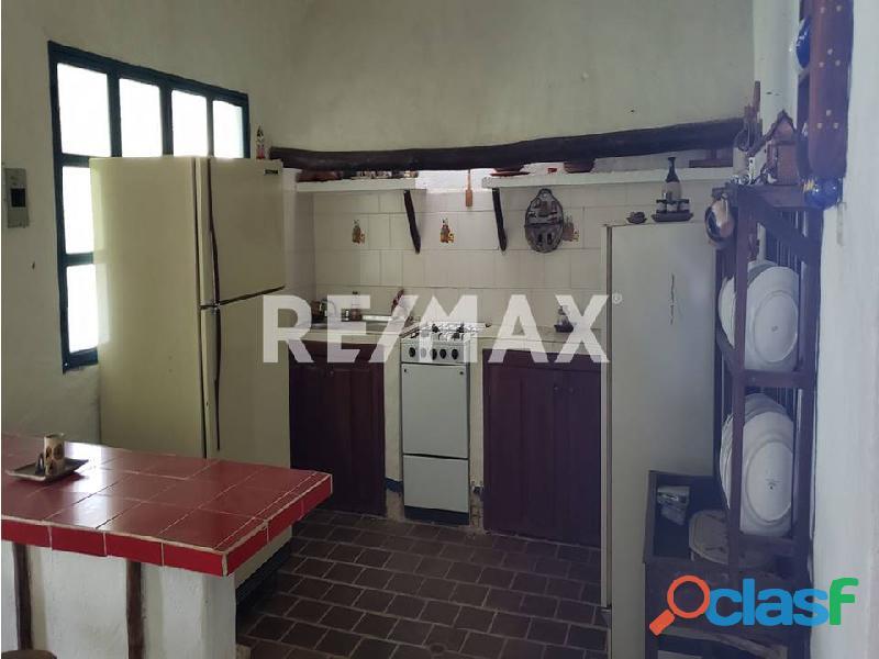 REMAX/PARTNERS Vende Casa con Terreno en Sabana del Medio, Tocuyito 2
