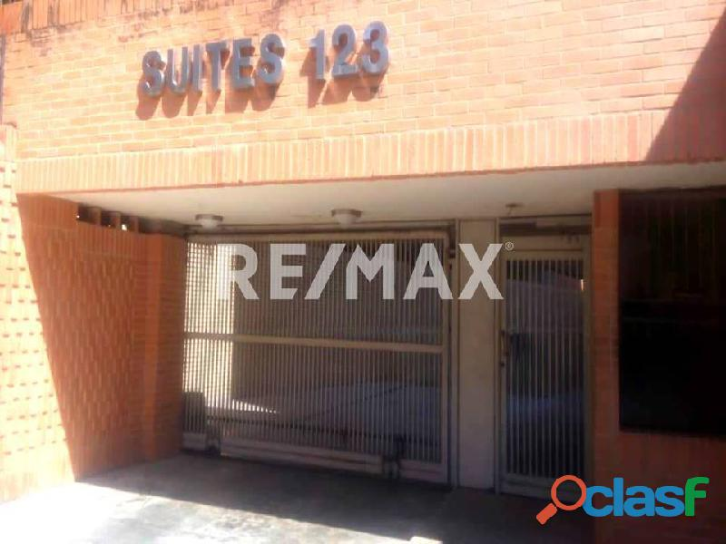 REMAX/PARTNERS Vende Oficina Torre Res. Suite 123; Av. Bolívar Norte 3