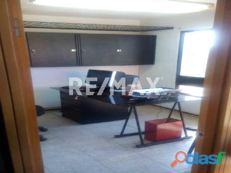 REMAX/PARTNERS Vende Oficina Torre Res. Suite 123; Av. Bolívar Norte 5