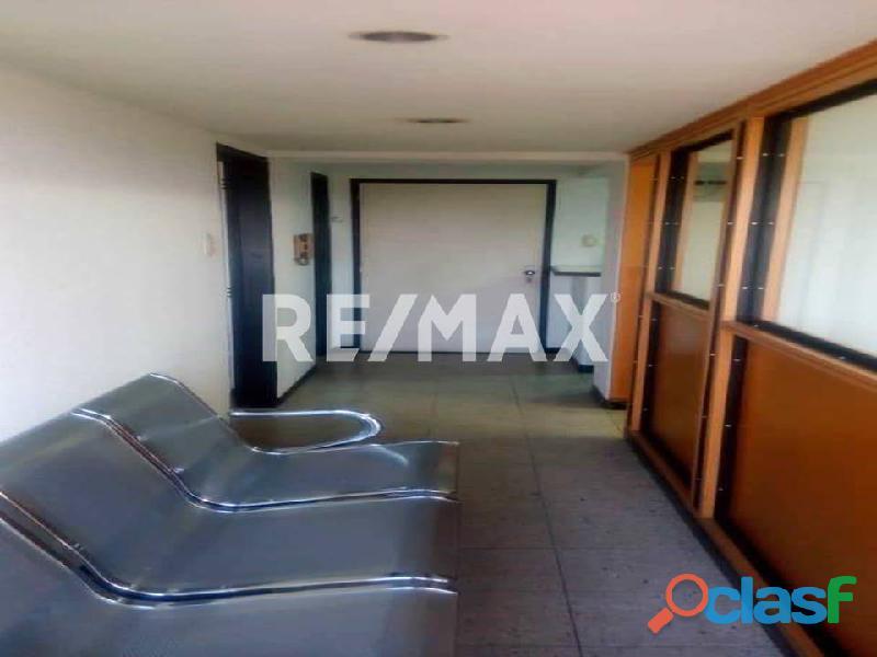 REMAX/PARTNERS Vende Oficina Torre Res. Suite 123; Av. Bolívar Norte 6
