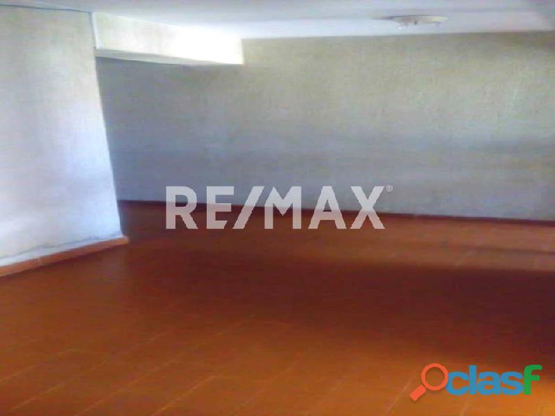 REMAX/PARTNERS Vende Oficina Torre Res. Suite 123; Av. Bolívar Norte 7