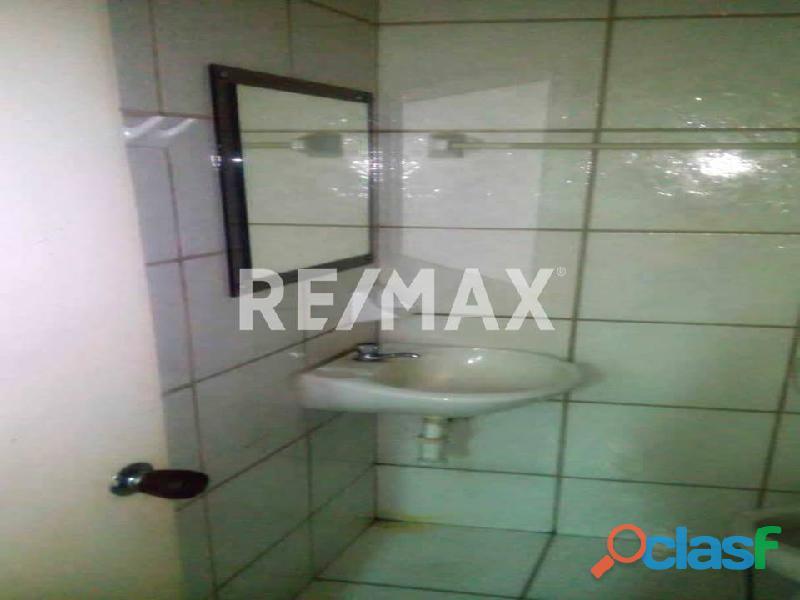 REMAX/PARTNERS Vende Oficina Torre Res. Suite 123; Av. Bolívar Norte 8