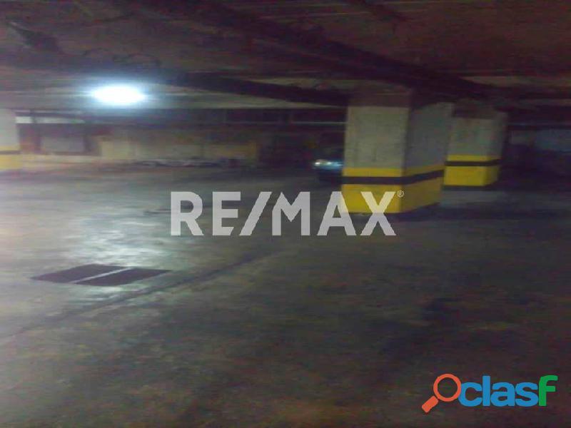 REMAX/PARTNERS Vende Oficina Torre Res. Suite 123; Av. Bolívar Norte 9