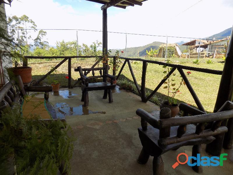 Casa en venta estilo cabaña, Loma de La Virgen 4