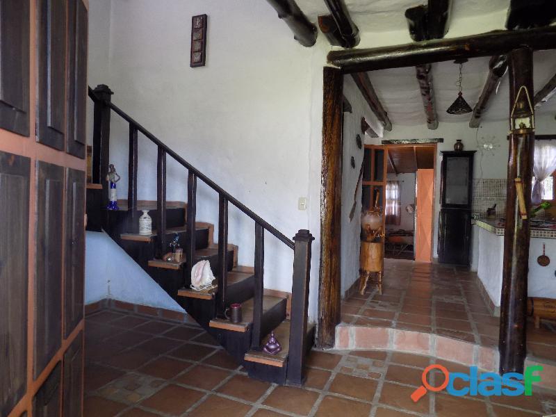 Casa en venta estilo cabaña, Loma de La Virgen 6